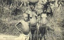 afr001595 - Sous Les Bananiers African Nude Post Card Post Card