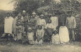 afr001736 - Dakar - Une Femille African Nude Nudes Postcard Post Card