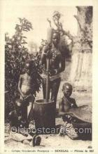 afr001752 - Afrique Occidentale Francaise Senegal Pileuse de Mil African Nude Nudes Postcard Post Card