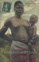 afr001794 - Jeune femme Feticheuse African Nude Nudes Postcard Post Card
