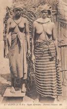 afr002414 - Femmes Sousou African Nude Postcard