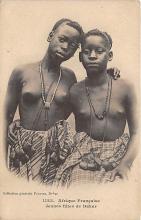 afr002424 - Jeunes filles de Dakar African Nude Postcard