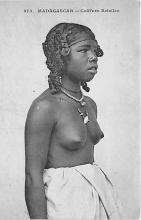 afr002432 - Coiffure Betsileo African Nude Postcard