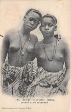 afr002468 - Jeunes filles de Dakar African Nude Postcard
