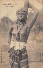afr002474 - Fille Soussou African Nude Postcard