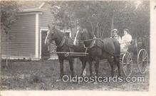 and000117 - Horse Carriage  Postcard Post Card