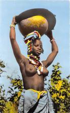 arb003237 - Beaute du geste et de la parure Arab Nude Postcard