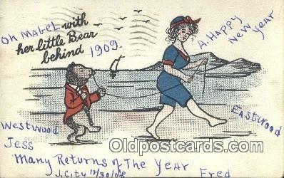 ber002014 - With her little Bear Behind, Bear Postcard Bears, tragen postkarten, sopportare cartoline, soportar tarjetas postales, suportar cart�es postais