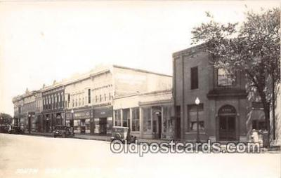 bnk001174 - Real Photo South Side Square Bloomfield, Iowa, USA Postcard Post Card