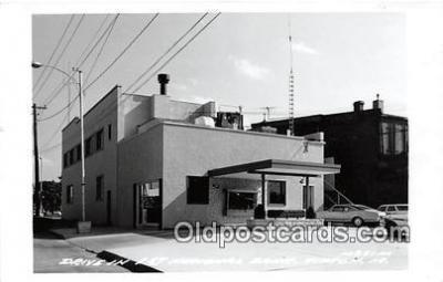 bnk001182 - Real Photo Drive in 1st National Bank Tipton, Iowa, USA Postcard Post Card