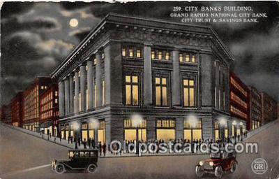 bnk001359 - City Banks Building Grand Rapids, Mich, USA Postcard Post Card