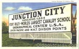 bil001003 - Junction City, Kansas Billboard Road Sign, Postcard Post Card