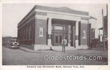 bnk001083 - Farmers & Merchants Bank Marked Tree, Arkansas, USA Postcard Post Card