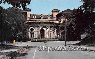 cau001065 - College Vintage Postcard