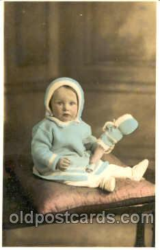 chi001039 - Child Children with Doll Dolls Postcard Post Card