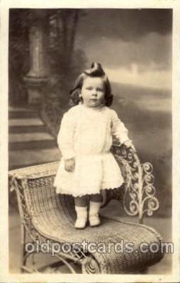 chi001111 - Children Postcard Post Card