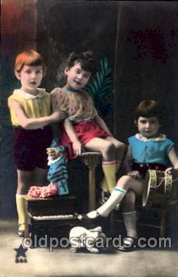 chi001144 - Children Postcard Post Card