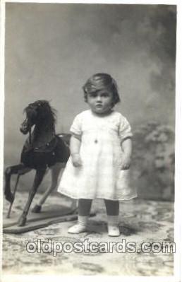 chi001145 - Children Postcard Post Card