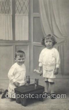 chi001158 - Children Postcard Post Card