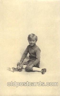 chi001161 - Children Postcard Post Card