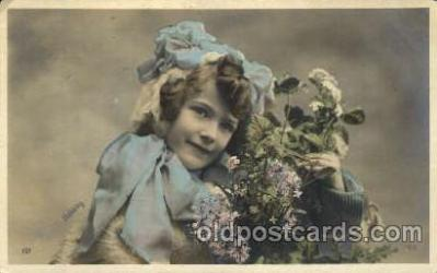 chi002037 - Children Postcard Post Card
