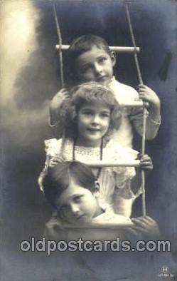 chi002075 - Children Postcard Post Card