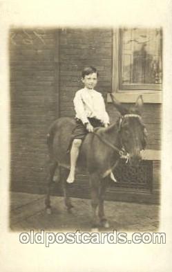 chi002099 - Donkey Children Postcard Post Card