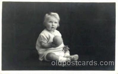 chi002357 - Child, Children Postcard Post Card
