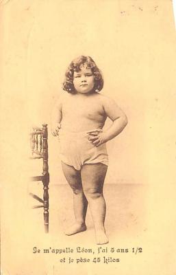 cir007255 - Te M'appelle Leon Heaviest Circus Post Card