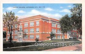 cau001093 - College Vintage Postcard