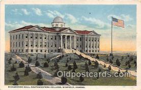 cau001102 - College Vintage Postcard