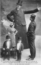 cir002109 - Giants, Tallest Person Circus Postcards
