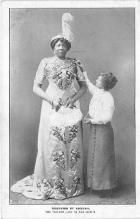 cir002110 - Giants, Tallest Person Circus Postcards