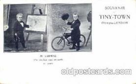 cir003040 - Mr. Ludwid Smallest Person, Midget, Midgets, Dwarf,  Circus Postcard Post Card