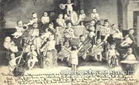 cir003042 - Smallest Person, Midget, Midgets, Dwarf,  Circus Postcard Post Card