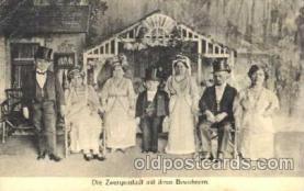 cir003058 - Die Zwergenstadt, Smallest Person, Midget, Midgets, Dwarf,  Circus Postcard Post Card