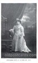 cir003085 - Princess Dot 42 years old, Smallest Person, Midget, Midgets, Dwarf,  Circus Postcard Post Card