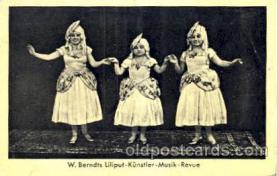 cir003124 - Circus Midgets postcard Post Card