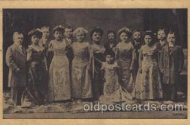 cir003148 - Circus Smallest Person, Midget Postcard Post Card