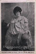 cir004068 - Heaviest Woman postcard Post Card