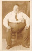 cir004154 - Heaviest Person Circus Postcards