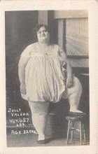 cir004156 - Heaviest Person Circus Postcards