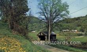 cou100323 - Cilley, Tunbridge, VT USA Covered Bridge Postcard Post Card Old Vintage Antique