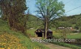 cou100343 - Cilley, Tunbridge, VT USA Covered Bridge Postcard Post Card Old Vintage Antique