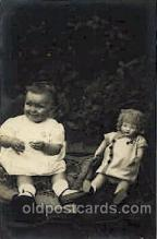 cwd000003 - Children, Child with Doll Postcard Post Card