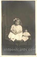 cwd001005 - Child, Children With Doll Postcard Post Card