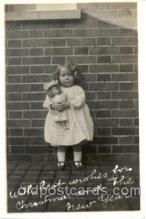 cwd001018 - Child, Children With Doll Postcard Post Card