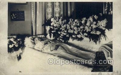 dea001020 - Death Old Vintage Antique Postcard Post Card