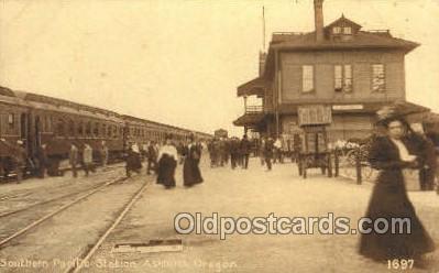dep001256 - Southern Pacific, Ashland, OR, Oregon, USA Train Railroad Station Depot Post Card Post Card