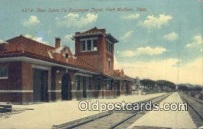 dep002042 - New Santa Fe Passenger Depot, Fort Madison, IA, Iowa, USA Depot Postcard, Railroad Post Card